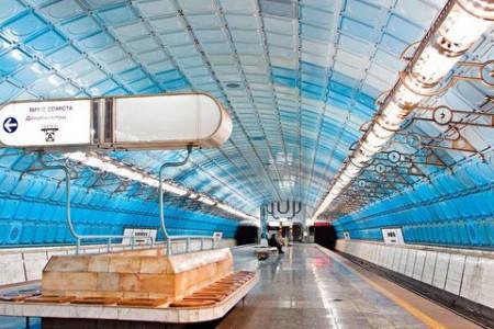 Намедни произошла сбойка тоннелей в Днепровском метро между станциями «Вокзальная» и «Театральная».