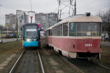 Кабмин зупить для Дніпра і Кривого Рогу нових трамваї