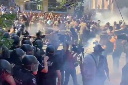 """В Киеве произошли столкновения """"Нацкорпуса"""" с полицией"""